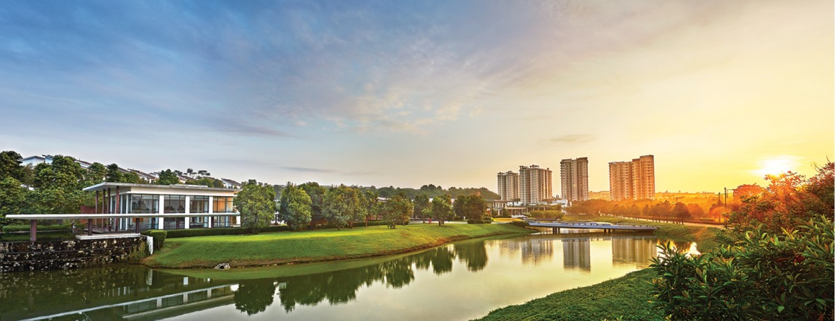 Around 20% of the land area at Jade Hills is dedicated to green space comprising lakes and gardens.