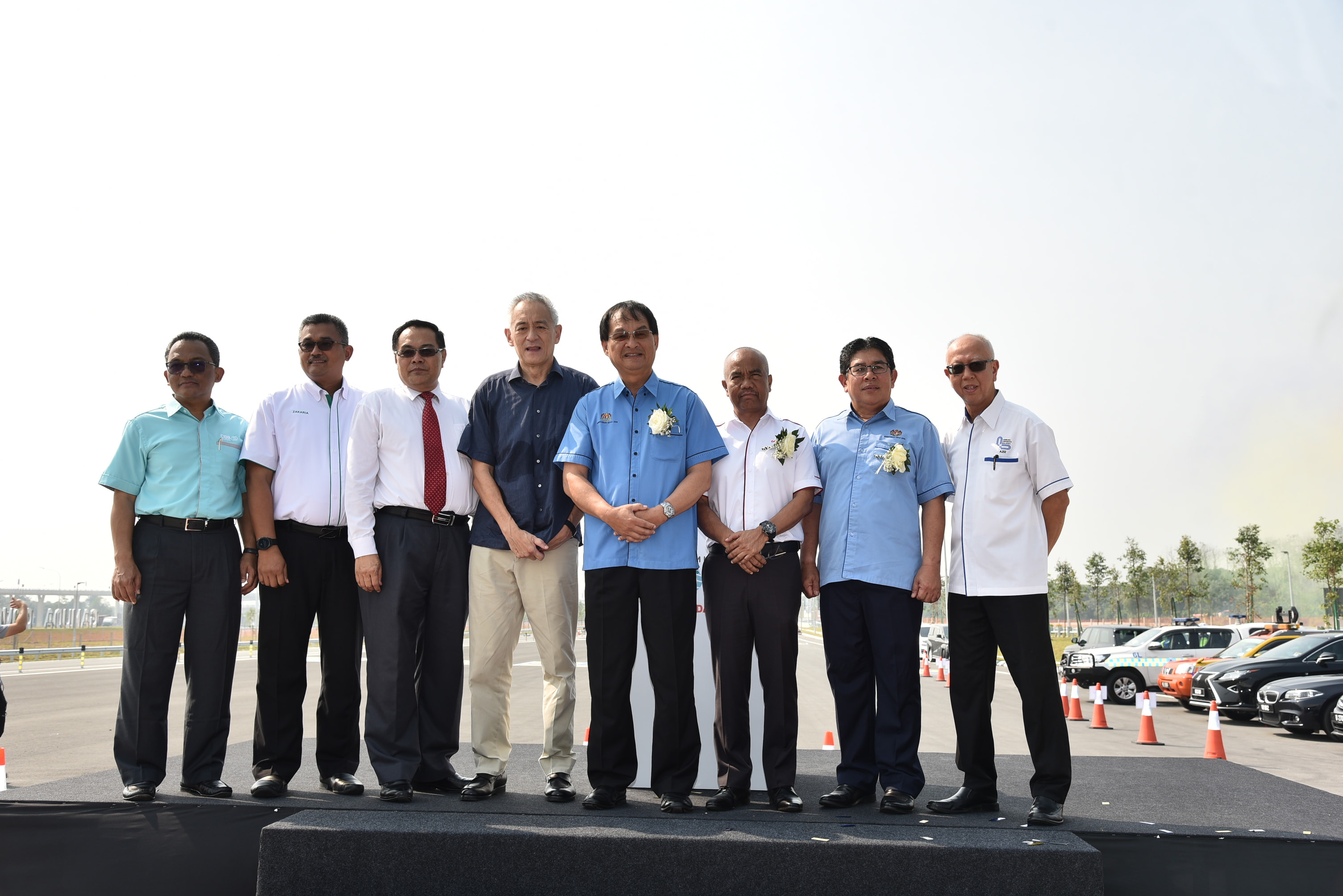 Gamuda Bhd Group Director, Executive Director and other officials.