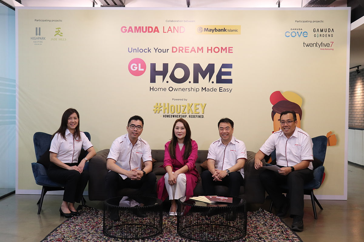 Gamuda Land and Maybank Islamic team up to enhance GL H.O.M.E with HouzKEY and ease home ownership. (From left): Gamuda Land's executive director of marketing and sales Lillian Lung Hian Li, Gamuda Land's chief operating officer Aw Sei Cheh, Lye, Ngan, Gamuda Land's general manager of finance David Ng Kit Cheong.