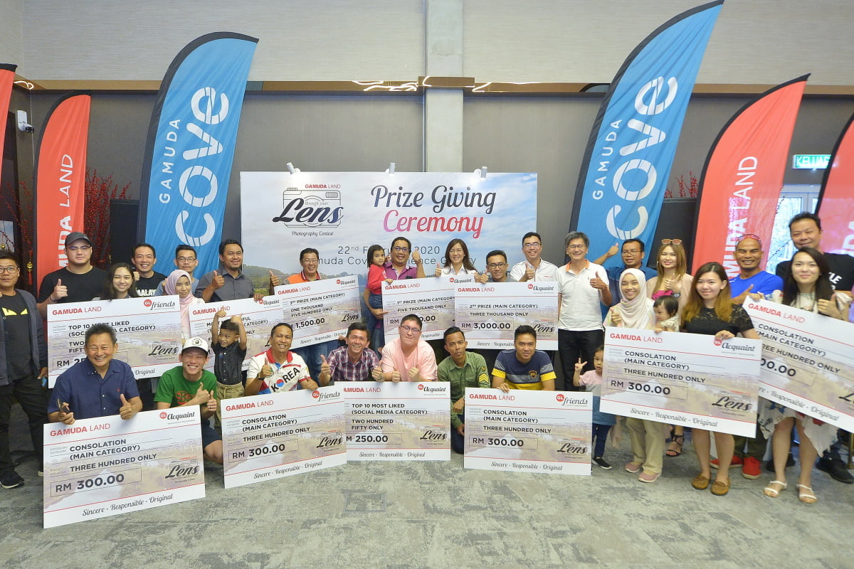 First group of winners for Gamuda Land's 'Through Your Lens' photo contest during the prize presentation ceremony.