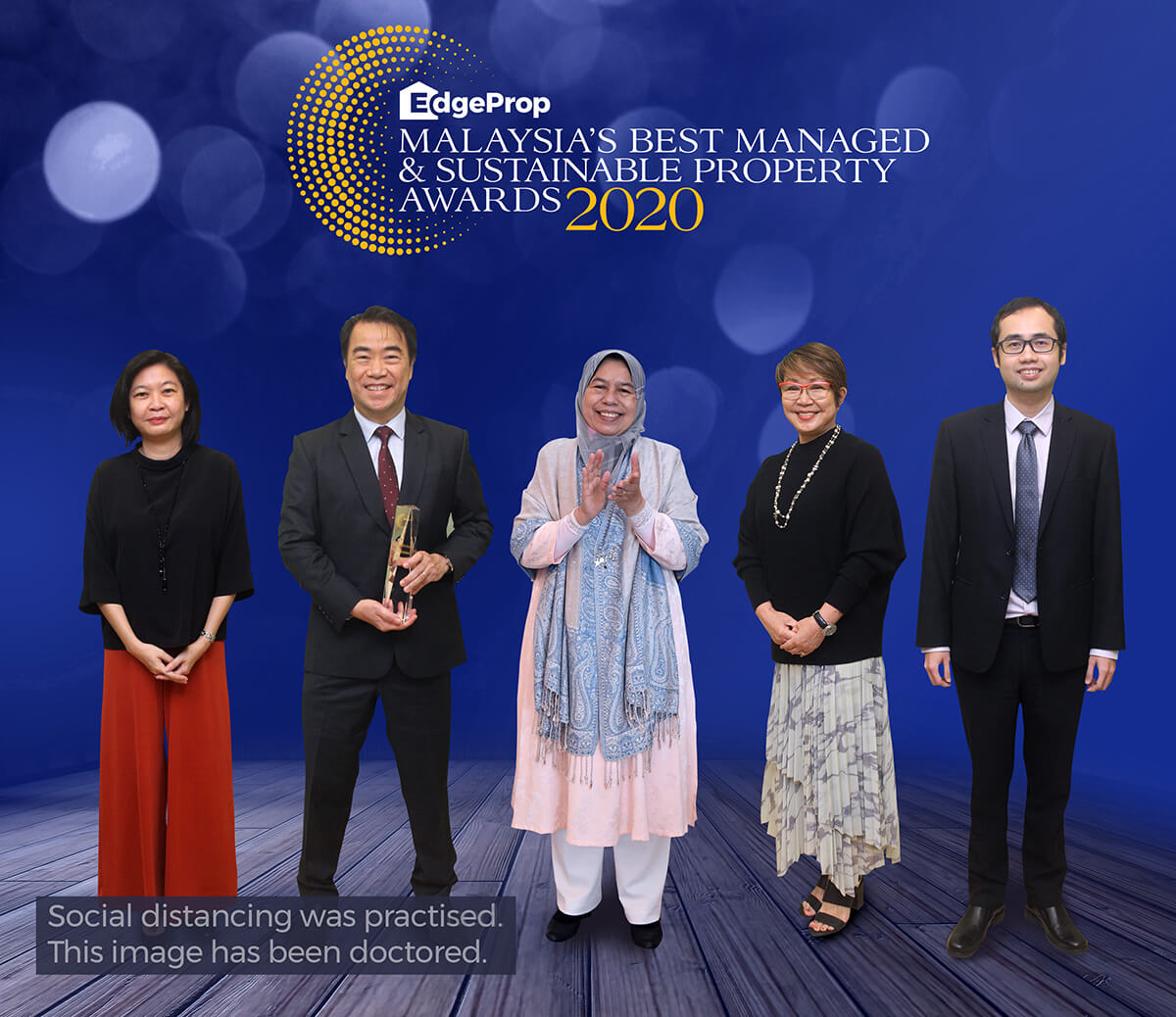 Gamuda Land received EdgeProp Malaysia's Responsible Developer: Building Sustainable Development Award 2020. From left: EdgeProp Malaysia executive editor Sharon Kam, Ngan, Housing and Local Government Minister Zuraida Kamaruddin, EdgeProp Malaysia editor-in-chief and managing director Au Foong Yee and EdgeProp Malaysia director of business and product development Alvin Ong.