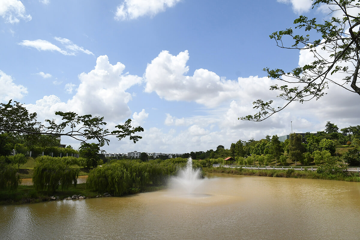 Horizon Hills dedicates 35% of its land to green lungs and water features