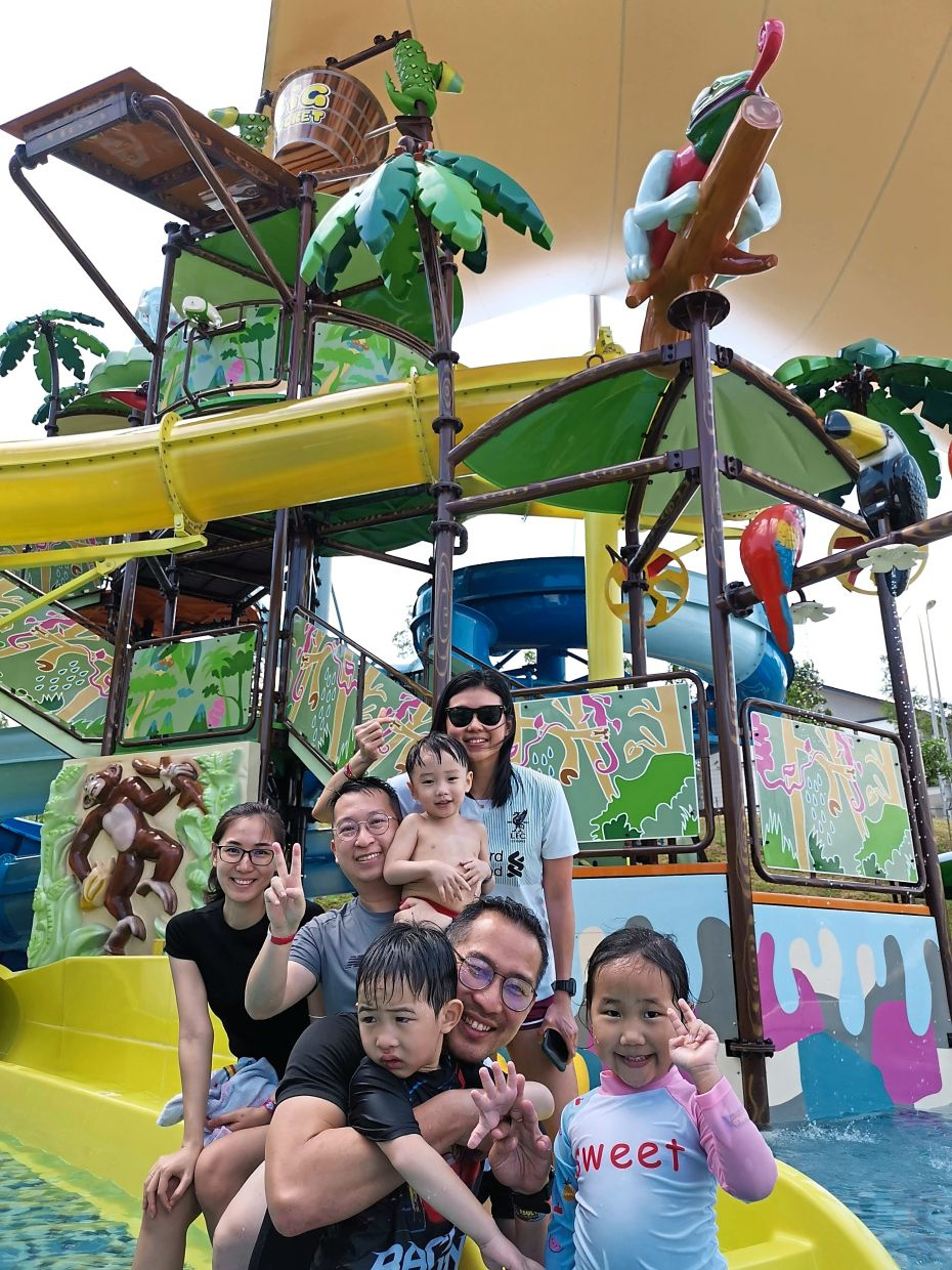 Gamuda Gardens' Big Bucket Splash features towering slides, shallow pools, water guns, rainforest animal characters and rain buckets, among other exciting features. Great place to host kiddie parties.