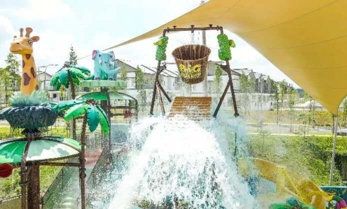 Children and adults alike will have a splashing fun at the Big Bucket Splash